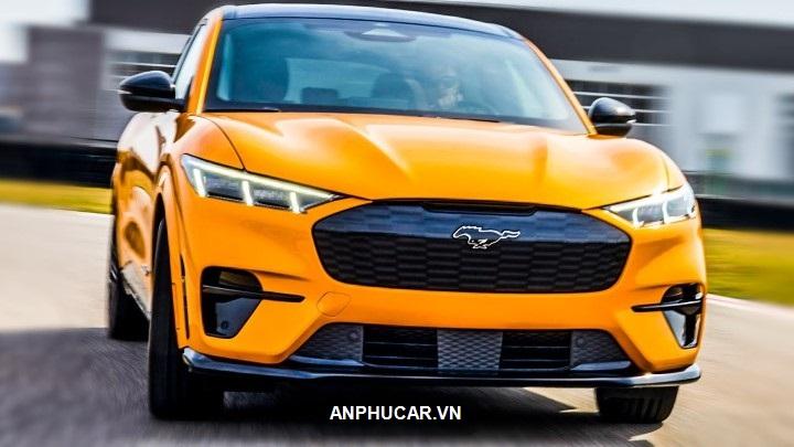 gia xe Ford Mustang Mach-e 2022