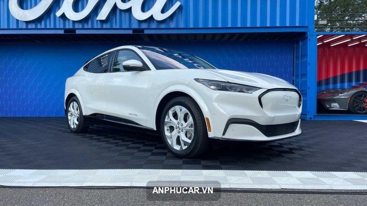 ra mat Ford Mustang Mach-e 2022