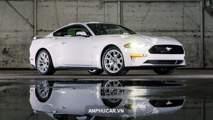 xe Ford Mustang Mach-e 2022